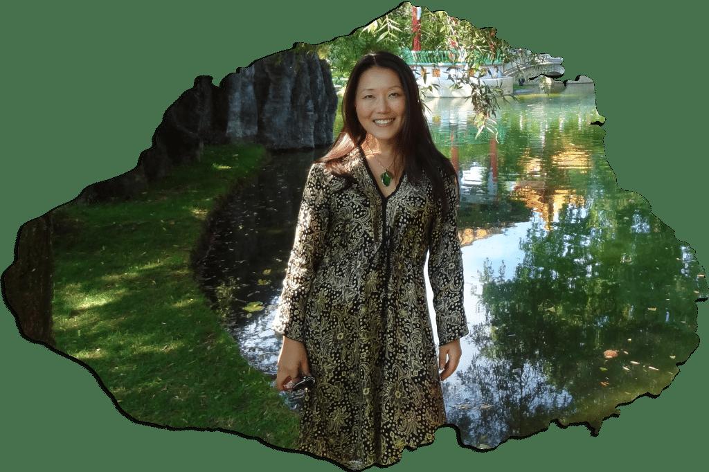 Eunjung Choi. Begabte, intuitive, spirituelle Beraterin und Energiearbeiterin. Eunjungs Leben widmet sich dem Erwecken des globalen Bewusstseins!